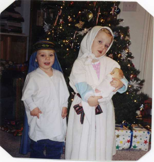 Christmas 2001 Scott and Shannon as Joseph and Mary